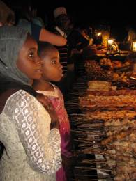 Volunteer with Zanzibar kids
